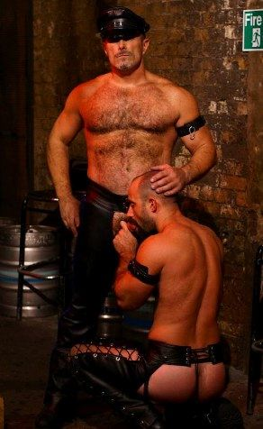Hot leatherman and his hotter bottom boy
