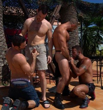 4 guys start undressing and sucking each other's cocks