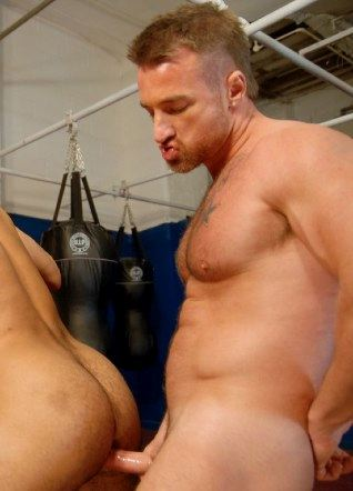 Muscle top Ross Hurston slids his raw dick into Jean Franco's furry hole.
