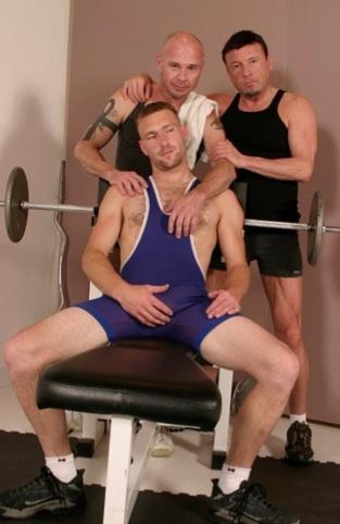 Randy, Jay y Derek en el gimnasio