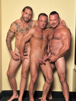 Tres papis calientes y peludos: Greg York, Chris Kohl y Peter Axel