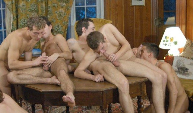 Five twinks suck and enjoy each others cock
