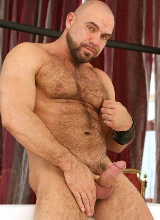 Furry chested muscle bear Axel Ryder and his huge cock