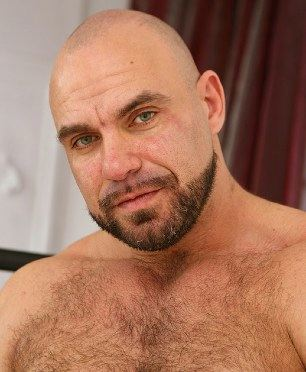 Bearded daddy Axel Ryder and his furry chest