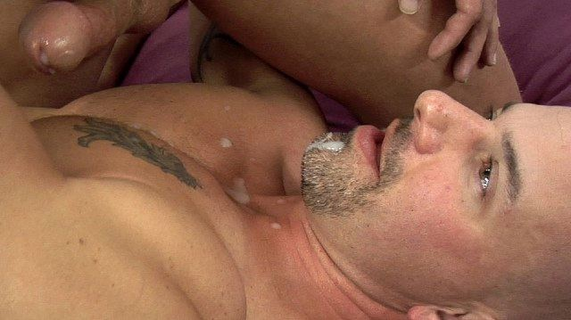 Brock Armstarong gets a load of cum in his goatee