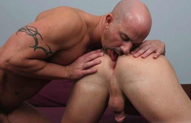 Bald stud Brock Armstrong rimming a smooth ping hole