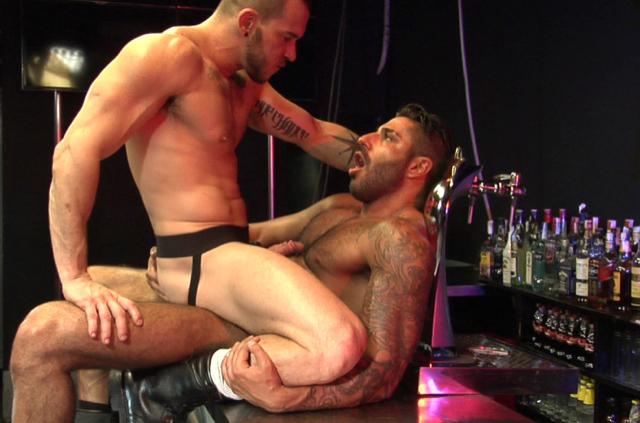 muscular hunks enjoying fuck at the dark room