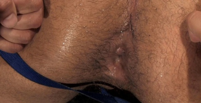 Leo Forte's piss soaked hole