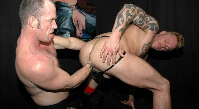 Dax Reed getting his hole punch fucked by Bill Marlow