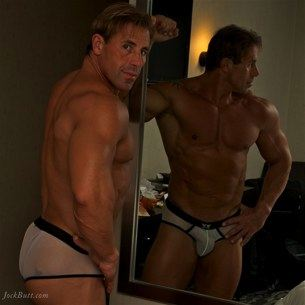 Hot Argentinian bodybuilder Simon