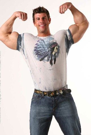 Zeb Atlas flexes his huge biceps