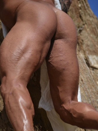 Vin beefy muscled ass and legs