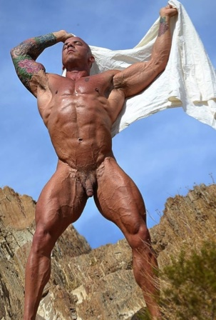 Naked Vin Marco out in the desert sun