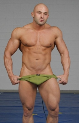 Ripped muscle stud Jason Barker