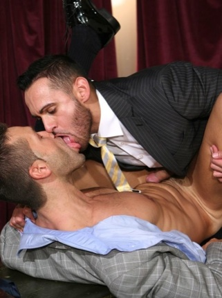 Marco Wilson kisses Hugo Martin while drilling his ass