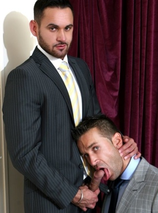 Marco Wilson feeds his fat dick to Hugo Martin