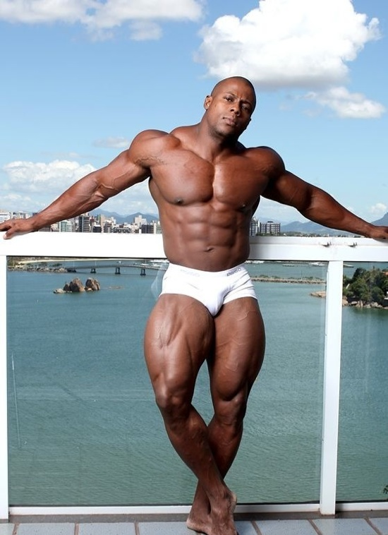 Ripped bodybuilder Orso Orfeo in his undwear outside