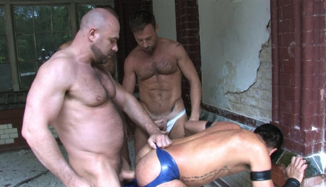Beefy Mike Butt slams his raw cock into Kike's hot ass