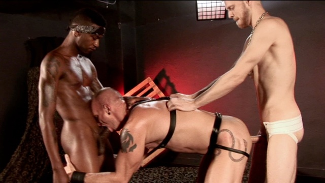 Logan slips his fat raw dick into Mason's willing hole