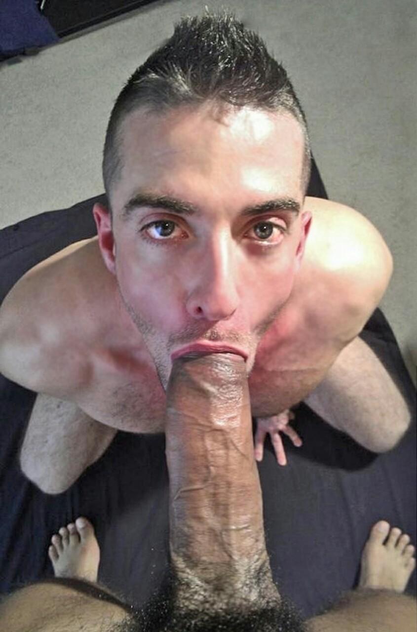 Фото мужика с членом во рту 6