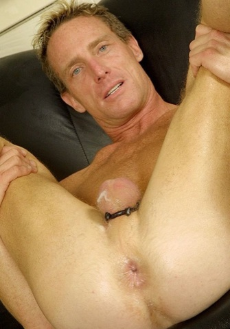 Scott Mann shows off his well fucked and seeded man hole