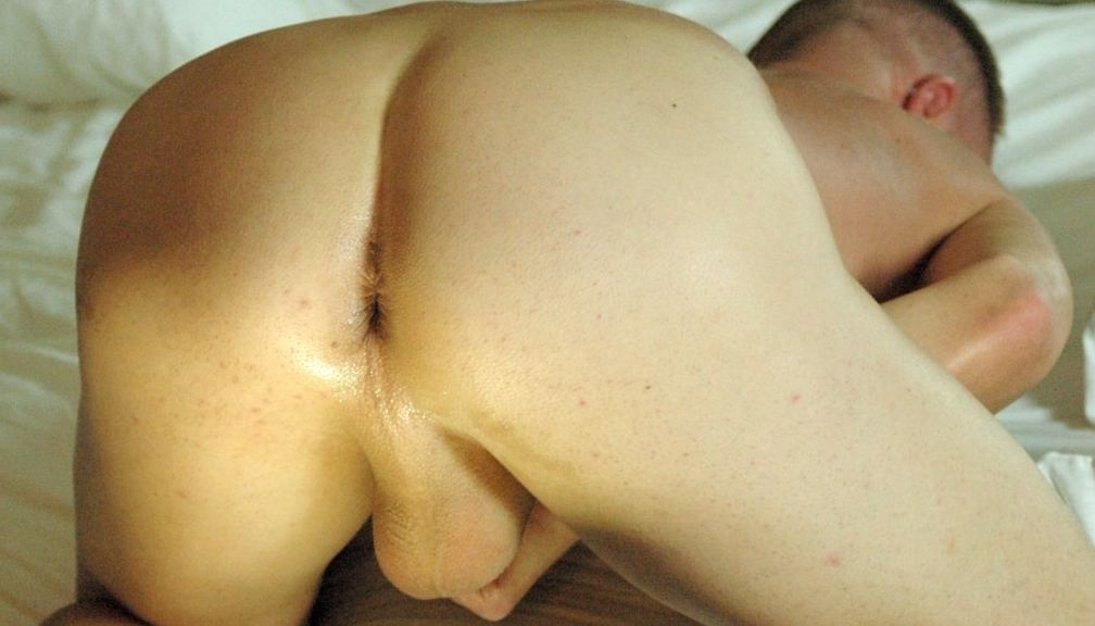 Tim Tyler\'s smooth fuck hole ready for raw dick