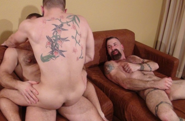Jake Wetmore watches Butch Bloom ride Troy Webb's raw cock
