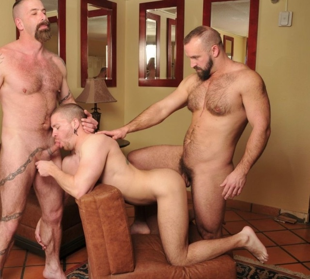 Butch gets his ass fucked while sucking cock