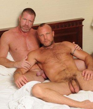 Hung beefy bears in bed Lee Denim and Chad Brock