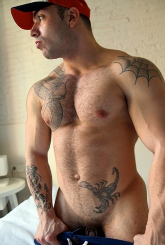 Beefy tatted bodybuilder Max Hilton teasing