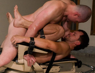 Chad Manning – bottoming