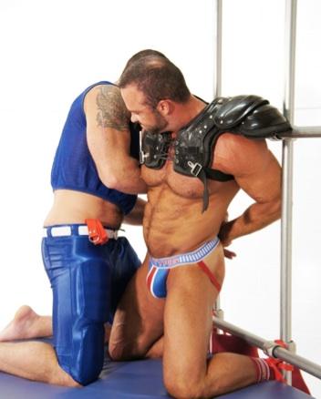 Spencer ties up beefy Nate Karlton