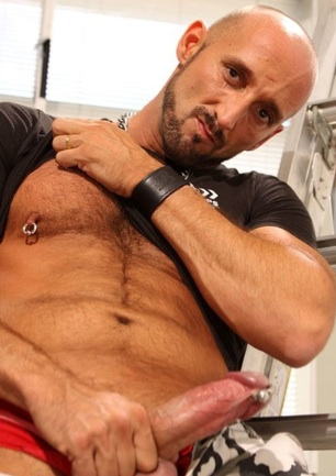 Pierced hairy daddy shows off his PA