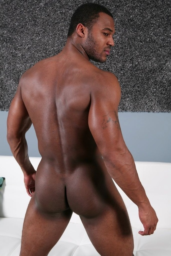 Smooth young jock shows off his muscle butt