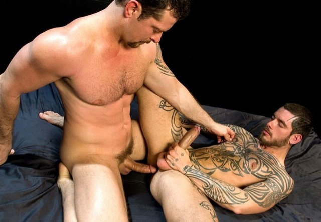 Beefy Vincent ready to plow Logans hot hole
