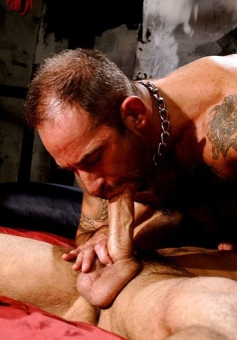 Derek da Silva sucking Anthony\'s dick
