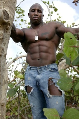 pictures-of-naked-black-muscle-man
