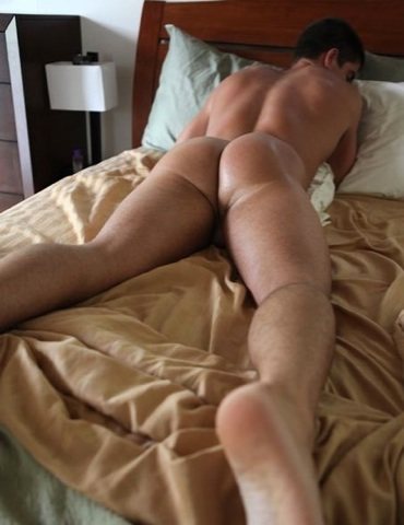 Sweaty young jock ass up on a bed waiting