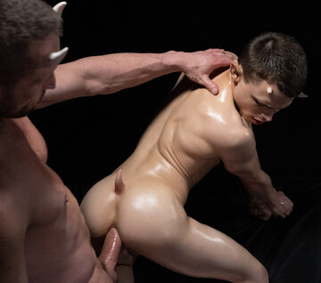 Austin L Young – Bottoming