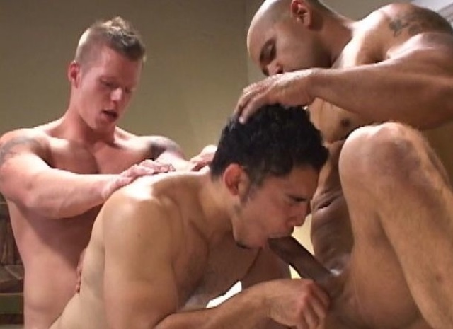Justin plows Miguel's hot hole while he sucks Juan's dick