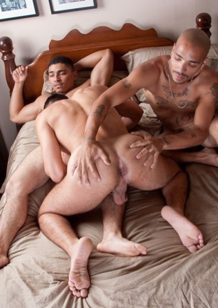 Leo spreads Diego's hot ass while he sucks Miguel's dick