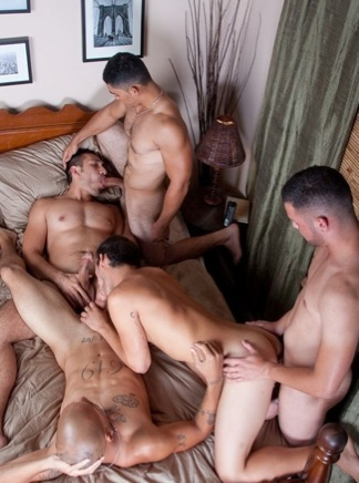 5 Hot guys trade blowjobs