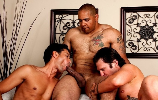 Gabriel gets a taste of Juan's fat dick