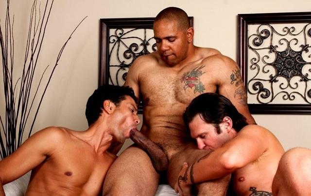 Gabriel gets a taste of Juan's fat dick