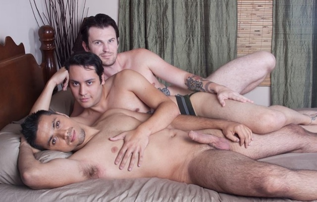 Joch Hear, Orion Cross and Luke Cross nakes in bed