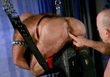 Greg plays with Rob\'s beefy hairy hole