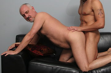 Jake Cruise – Bottoming