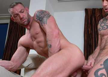 Darren Robbins – Bottoming