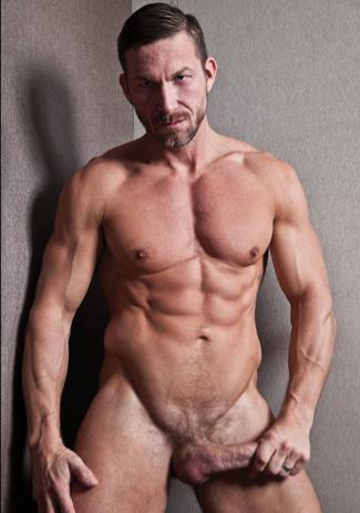 El musculoso Tomas Brand y su verga