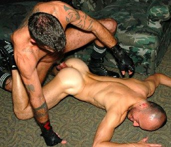 Bottom with a really hot ass face down on the floor getting fucked bareback